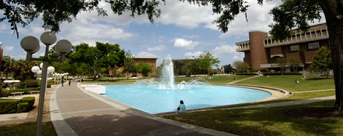 UCF_fountain